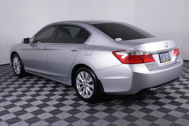 Pre-Owned 2013 Honda Accord Sdn EX